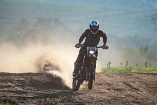 Rafa Espíndola vence a categoria Brasil na retomada do Brasileiro de Rally Baja