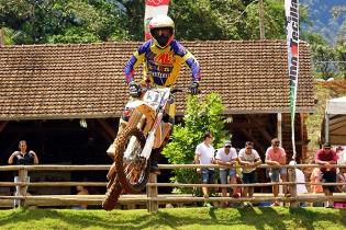 Prova de Jaragu� confirma os campe�es do Catarinense de Motocross 2014