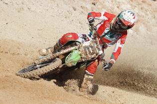 Piloto catarinense busca t�tulo no Mundial de Motocross para Veteranos